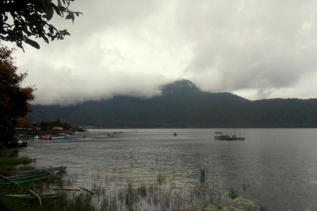Beratan Lake