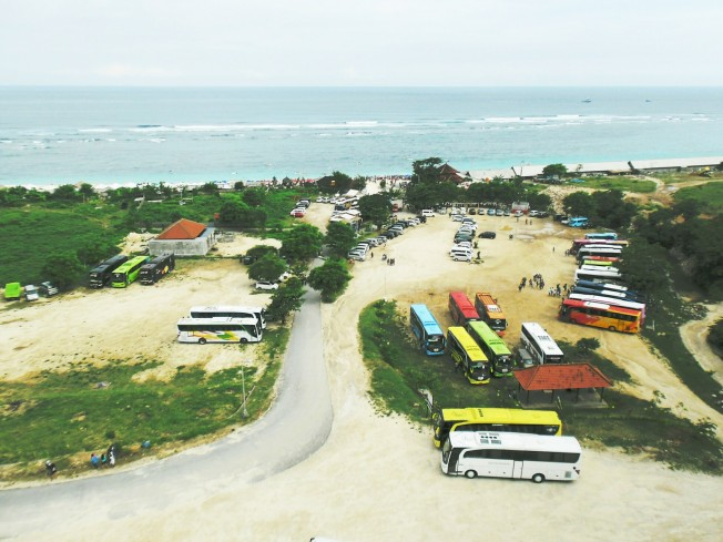 Photo by : Oryza This is the view of Pandawa beach from above