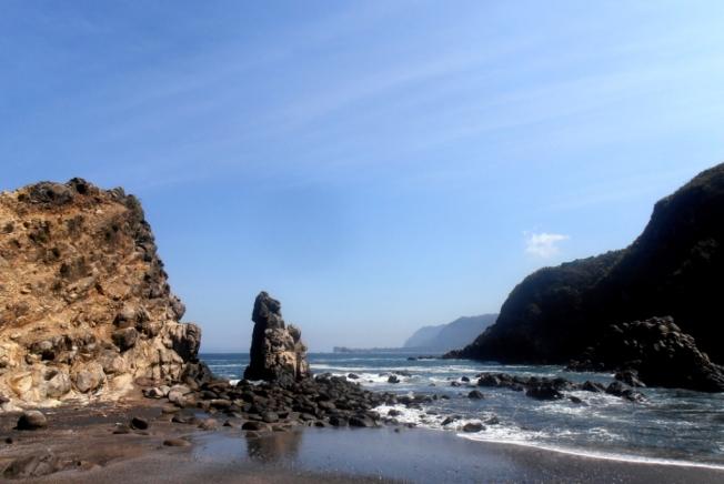 Pantai-pantai di Jember